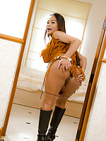 Hung Ladyboy cowgirl Jasmine shows off her cumfilled six shooter